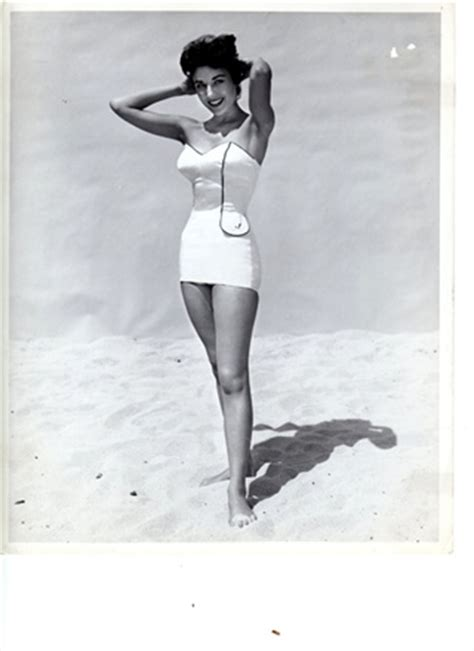 costume da bagno anni 30 vintage holidays vogue it