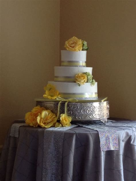 yellow and silver wedding cakes 17 best images about the cakes of style on