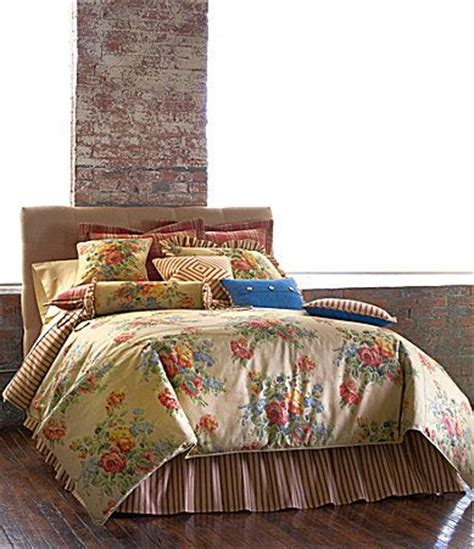 Martha Stewart Flower Song Quilt by 25 Best Bedspreads Images On