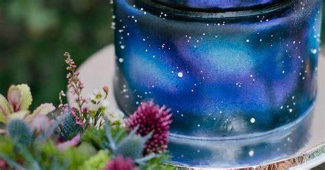 21 stellar ideas for an astronomy themed wedding galaxy cake