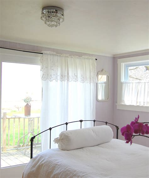 lavendar bedroom tresor trouve french lavender gray walls check