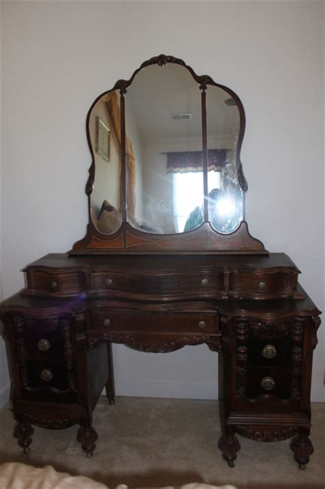 Vintage Bedroom Vanity With Mirror by Antique Vanity Dresser With Mirror Antique Furniture