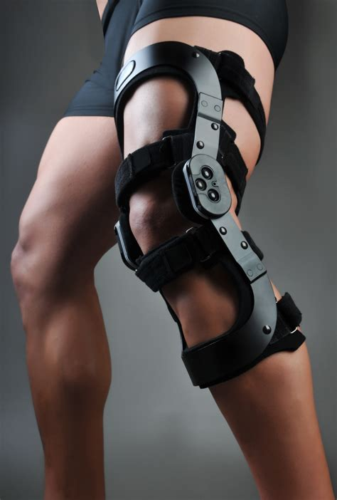 ccl brace gladiator acl max optec