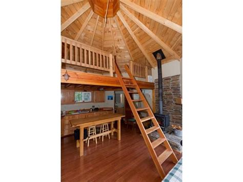 200 Sq Ft Cabin by This 200 Square Foot Grid Octagon House Has A Great