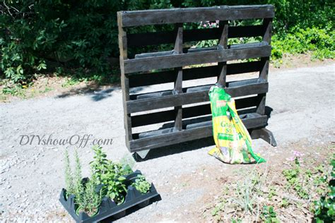 Free Standing Herb Garden by Free Standing Pallet Herb Garden Page 2 Of 2 Diy Show