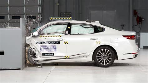 Kia Crash Test Ratings 2017 Kia Cadenza Gets Top Safety Rating After Iihs