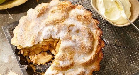 classic apple pie better homes and gardens