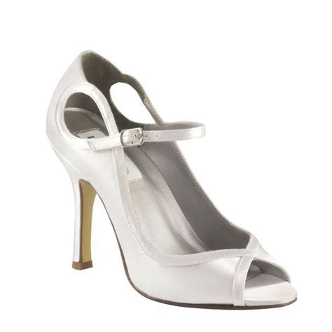 10 pretty and practical mid heel height wedding shoes