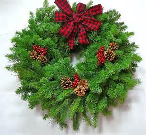 fresh wreaths northwood country fresh evergreen wreath 24 in the wreath depot