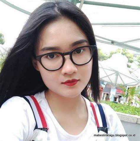 lirik lagu cinta kembang rawe nella kharisma mabes lirik