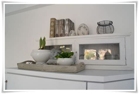 keramikfliesen küche wohnzimmer decke braun