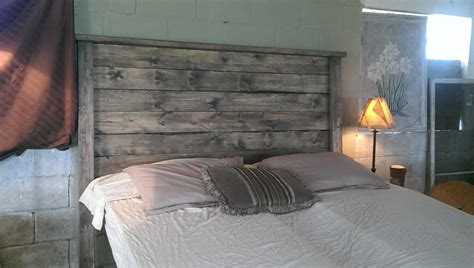 graues holzbett weathered gray rustic wood headboard weathered
