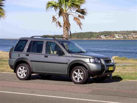 land rover freelander off 2005 land rover freelander information and photos