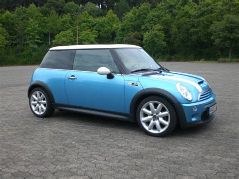 mini cooper  electric blue vollausstattung biete mini