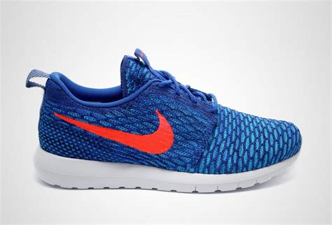 Sepatu Nike Roshe Run Flayknit nike flyknit roshe run quot royal quot sbd