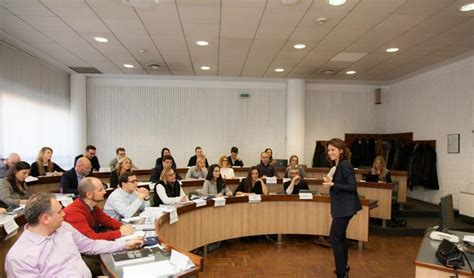 Executive Mba Bocconi by Via Sarfatti 25 Sda Bocconi Raddoppia L Offerta E Lancia