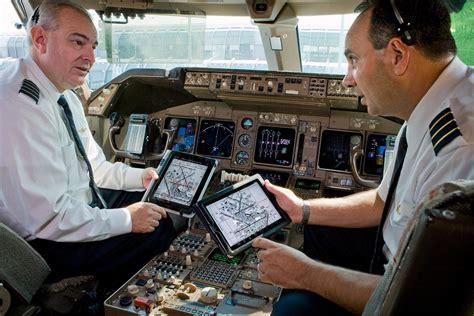 amazon co jp making michael inside the career tech fail pilots ipad crash delays two dozen american airlines flights