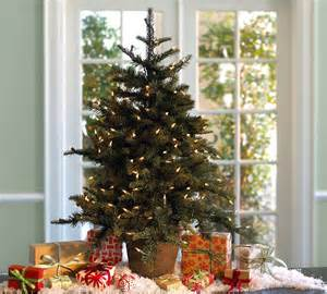 holiday decorating 2010 by pottery barn digsdigs