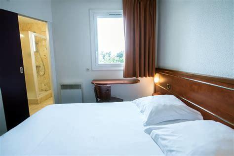 chambre angers brit hotel toutes nos chambres d h 244 tels 224 l acropole d angers
