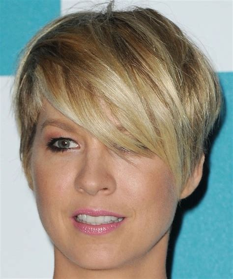 short hairstyles with side swept bangs for women over 50 layered side swept bangs jpg w 500