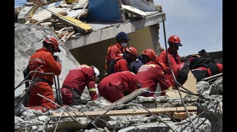 imagenes de cumpleaños para bomberos los bomberos peruanos que buscan sobrevivientes del