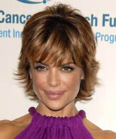texture of rennas hair lisa rinna short straight formal hairstyle thehairstyler com