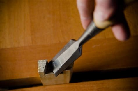 buyers guide  woodworking chisels  wood  shop
