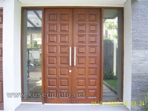 desain daun jendela minimalis desain kusen minimalis dengan daun pintu kotak kotak