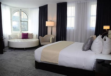 10 by 10 room hotel suites in montreal hotel 10 luxury suites