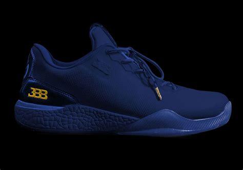 Big Diskon Pre Order Ultra Boost Kicks big baller brand zo2 independence day white blue sneakernews
