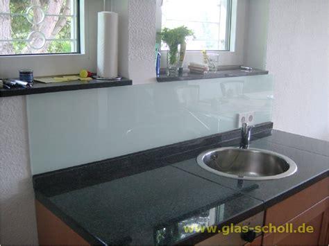 lackiertes badezimmer waschbecken aus glas bering 1 2 waschbecken aus glas