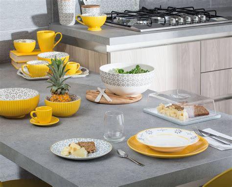 servizi da tavola moderni piatti colore e decor nei servizi tavola ad homi 2017