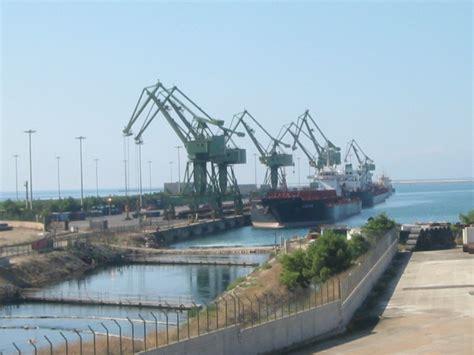 porto taranto a taranto il viceministro ciaccia dichiara il porto