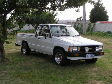 how petrol cars work 1989 toyota truck xtracab sr5 parental controls dirty hilux 1984 toyota hilux specs photos modification info at cardomain