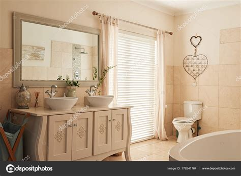 bagni in stile country bagno in stile country foto stock with bagni in