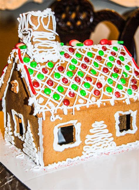 frosting for gingerbread house gingerbread house icing the everything housewife com
