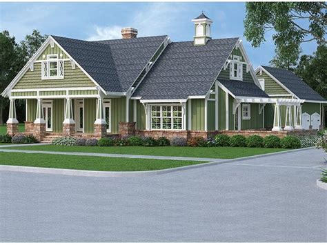 eplans craftsman house plan affordable but spacious craftsman eplans craftsman house plan unique layout with