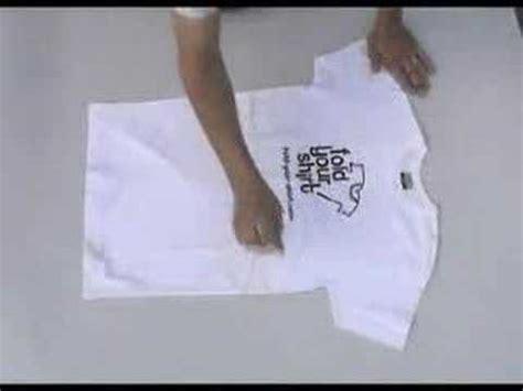 Kaos Dot 0 5 Baam trik melipat kaos dalam 2 detik souvenir