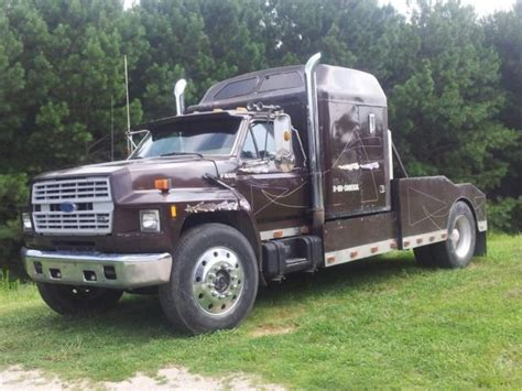 Truck Bed Sleeper Cers by 1987 Ford F800 Base 7 8l 60 Quot Sleeper Hauler Bed 10 Sd