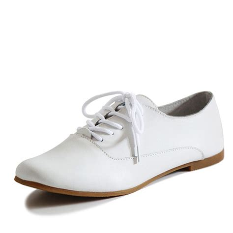 white oxford shoes womens white oxford shoes 28 images go preppy with