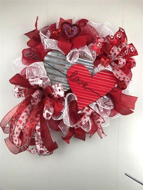 valentines wreath  front door valentine heart  door
