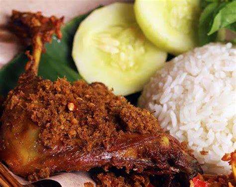 Rak Jajanan Warung 7 kuliner yang akan membuatmu rindu surabaya