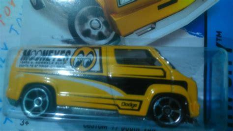 Hotwheels Reguler 8 wheels custom 77 dodge edici 243 n regular th