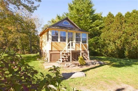 renting a tiny house experience tiny living by renting this cozy tiny cottage