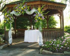 Simple Gazebo Wedding Decorations by Wedding Decorating A Gazebo For Wedding