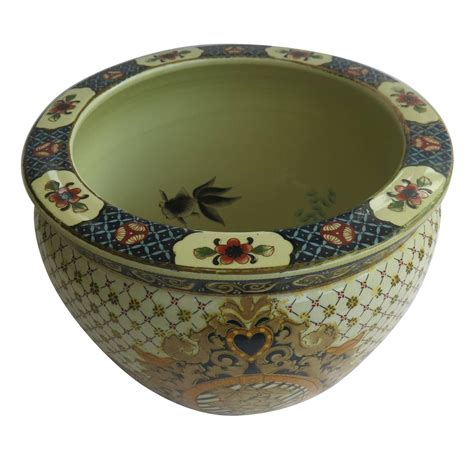chinese export fish bowl or planter porcelain hand