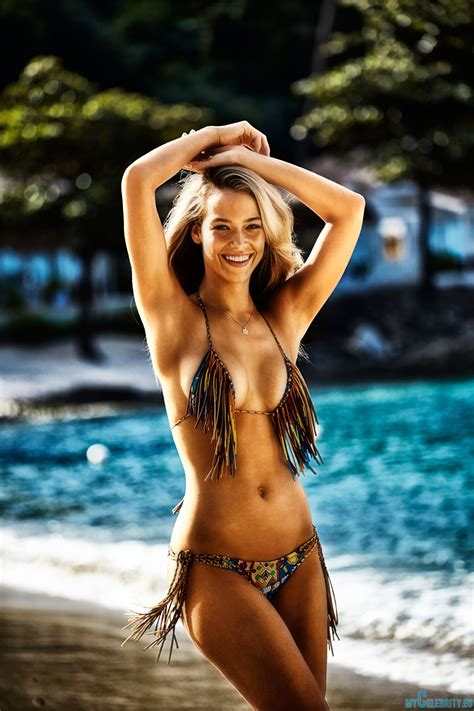 hannah ferguson sports illustrated 2014 body paint hannah ferguson bikini body paint sports illustrated 2014