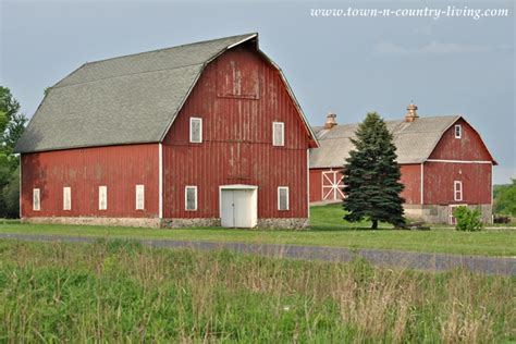 rustic barns midwestern rustic red barn town country living