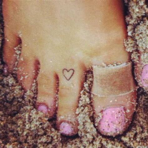 ariana grande tattoo grande toe style