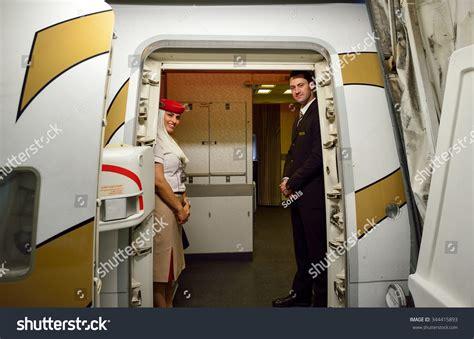 emirates flight attendants based in hong kong oppose wearing china hong kong november 16 2015 emirates crew members on